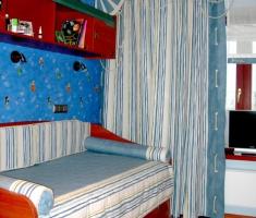 Текстильное оформление способно превратить обычную комнату в пиратский корабль или замок прекрасной принцессы.